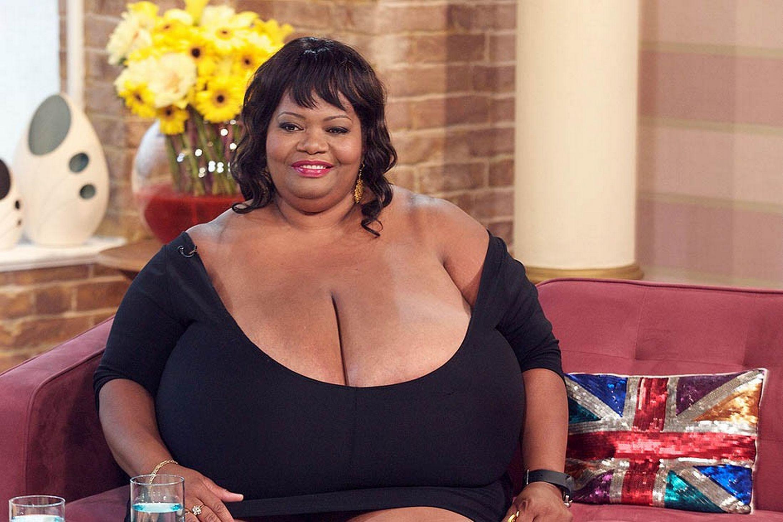 Фото больших сисек у бабы, Огромные сиськи - фото женщин с огромной грудью 6 фотография